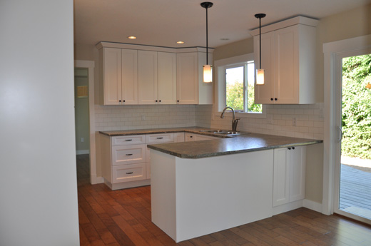 A kitchen renovation done by Griffith Homes.